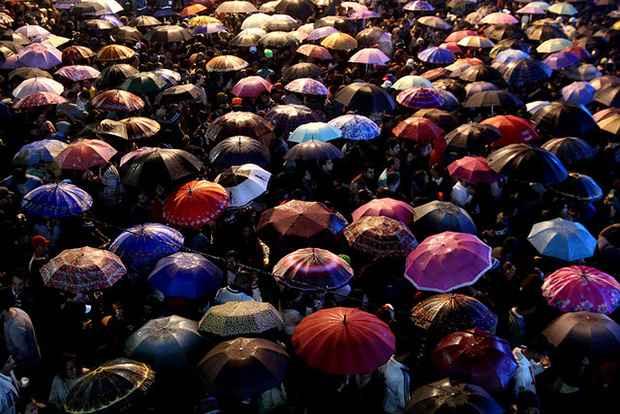 Após a concentração na plateia do Mestre Dominguinhos, público migra para circuito alternativo de festas. Foto: Costa Neto/Divulgação