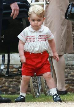 (5 jul) O príncipe George, no batizado da irmã. Foto: Chris Jackson/ POOL/AFP