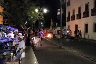 Autônomos queimaram entulhos em protesto à ação da companhia, na noite de sábado. Foto: Divulgação