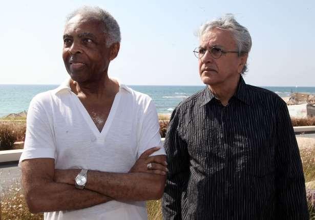 Gil e Caetano em Tel Aviv, cidade israelense que recebe o show desta terça-feira. Foto: AFP Photo/ Gideon Makoviwicz