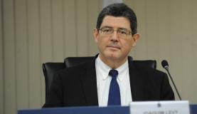 Ministro da Fazenda, Joaquim Levy, no retorno das sessões de julgamento do Conselho Administrativo de Recursos Fiscais (Carf). Foto: Elza Fiúza/Agência Brasil