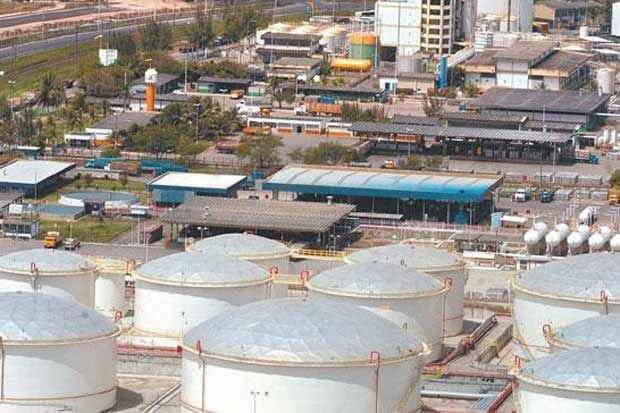 Porto de Suape aumentou movimentação de granéis líquidos, como óleo diesel, combustível, GLP e querosene. Foto: Teresa Maia/DP/D.A Press