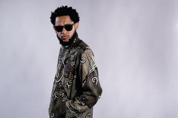 O segundo álbum de estúdio do rapper chega às lojas digitais e plataformas streaming na sexta-feira (7). Foto: José de Holanda/Reprodução
