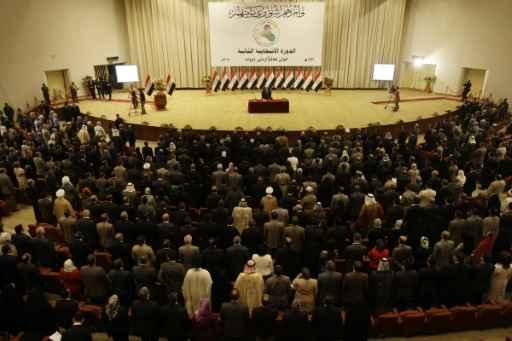Parlamentares iraquianos durante sessão em Bagdá em 14 de junho de 2010. Foto: Ali al-Saadi /AFP/Arquivos
