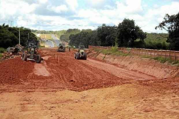 Obras na BR-101 em Pernambuco: Ministério Público Federal apontou uma série de irregularidades, incluindo a omissão de agentes de fiscalização. (Foto: PAC/Divulgação)