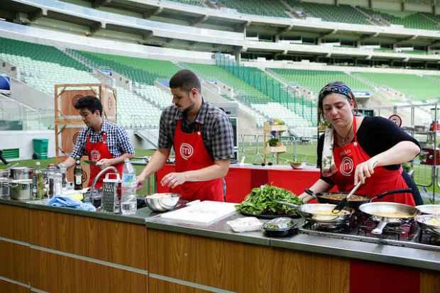 Izabel vai liderar a equipe vermelha na Arena Palmeiras. Fotos: Band/Divulgação