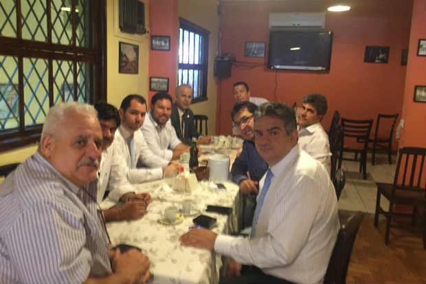 O grupo se reuniu para discutir as estratégias com vistas às eleições de 2016. Foto: Divulgação