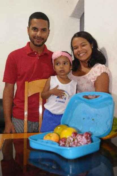 Raiana de Oliveira, mudou a lancheira da filha para melhor com orientação da escola.