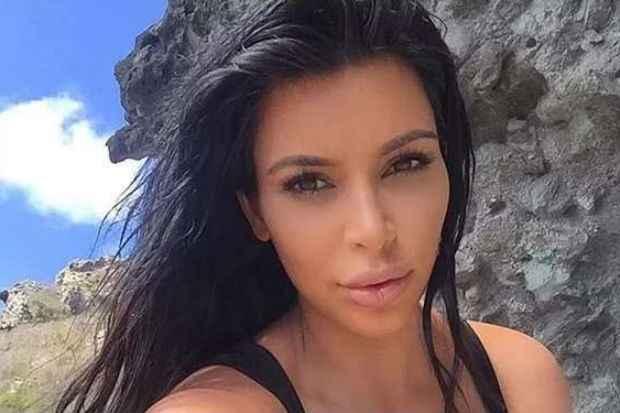 Kim Kardashian compartilha seu cotidiano com muitas selfies na rede social. Foto: Instagram/Reprodução