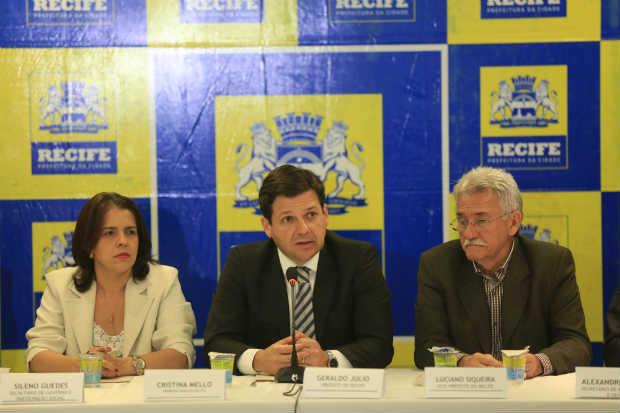 Apesar dos ajustes, prefeito garantiu que não haverá alterações no pagamento dos salários, incluindo o 13°. Foto: Rafael Martins/Esp.DP/D.A Press