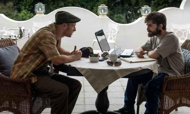 Daniel Radcliffe em cena de 'The gamechangers'. Foto: Joe Alblas/BBC