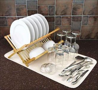 Tapete para escorrer louças feito com microfibra, consegue absorver oito vezes mais a umidade que um pano de prato. Foto: Utiplast/divulgação