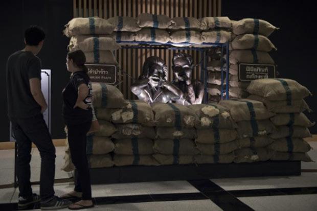 Bangcoc inaugurou um 'Museu sobre a corrupção na Tailândia', com estátuas em tamanho real de funcionários condenados em casos recentes, esculturas de bolsas repletas de dinheiro e quadros de corruptos atrás das grades. Foto: Nicolas Asfouri/AFP