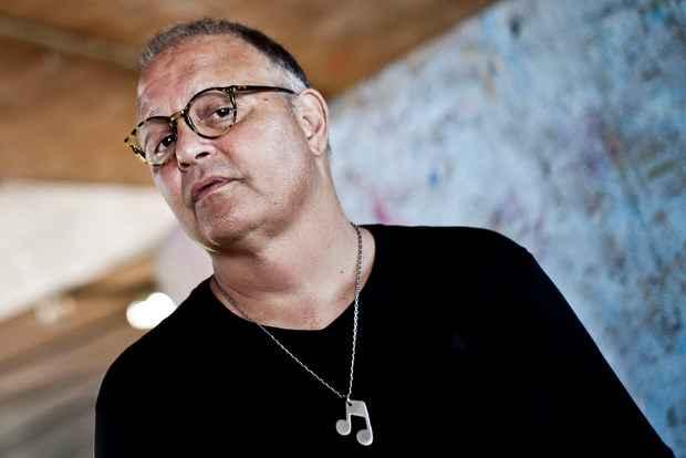 Guilherme Arantes conversou sobre temas políticos e culturais com o público. Foto: Pedro Matallo/Divulgação