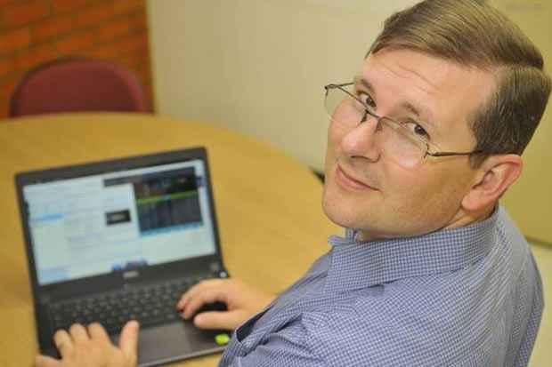 Nathaniel Simch, mestre em computação aplicada pela Universidade de Brasília (UnB) e adepto dos softwares livres há 10 anos. Foto: Minervino Junior/CB/D.A Press