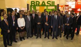 Comitiva brasileira visita estandes do Brasil na feira World Food na Rússia. Negócios chegaram a R$ 99,9 milhões. Foto: Romério Cunha/Vice -Presidência