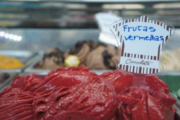 No dia do sorvete uma das opções é o Gelato com frutas vermelhas espanholas da Cioccolatte, no bairro do Recife. Foto: Legenda/Divulgação