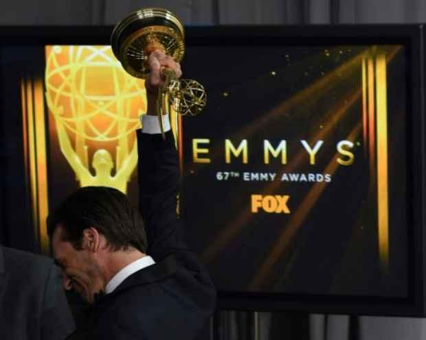 O ator Jon Hamm recebeu o prêmio Emmy por seu papel na série