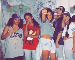 Poder Feminino Crew reúne bgirls, grafiteiras e MCs. Foto: Acervo pessoal/Divulgação