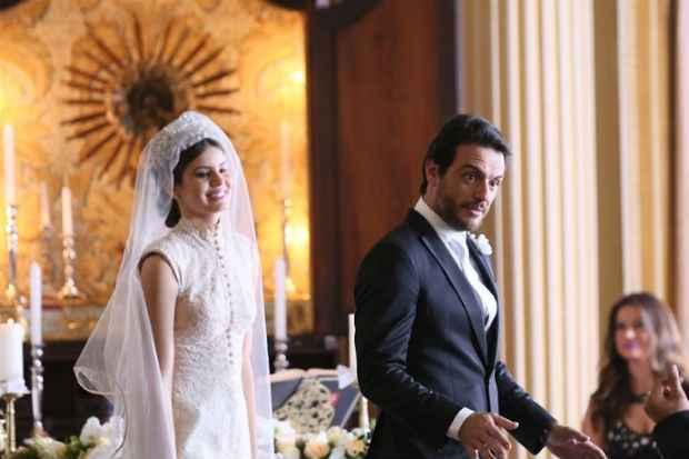 Final alternativo mostraria casamento de Angel e Alex após suicídio de Carolina. Foto: TV Globo/Divulgação