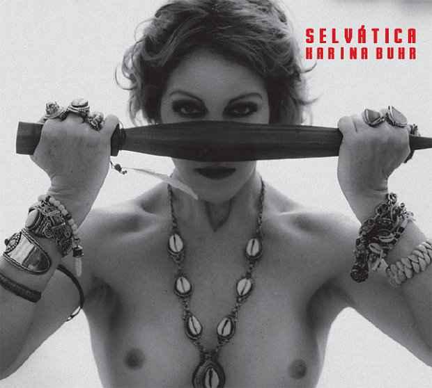 Na capa do terceiro disco Selvática, Karina Buhr diz ter se inspirado em mulheres guerreiras dos textos sagrados. Foto: Reprodução/Facebook