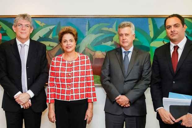 Dilma Rousseff recebeu os três governadores eleitos pelo PSB. Foto: Roberto Stuckert Filho/PR