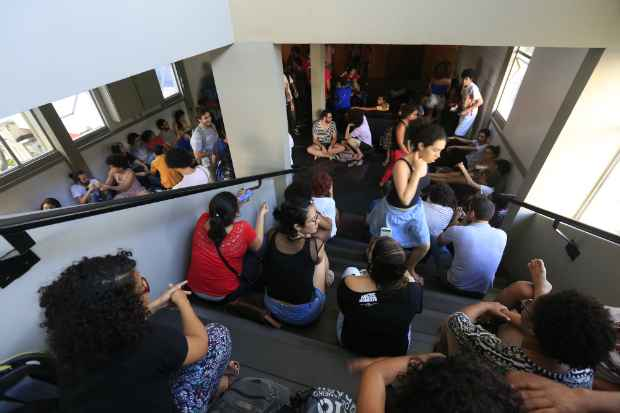 Ocupação teve início no final da manhã desta sexta. Foto: Rafael Martins/Esp. DP/D.A Press