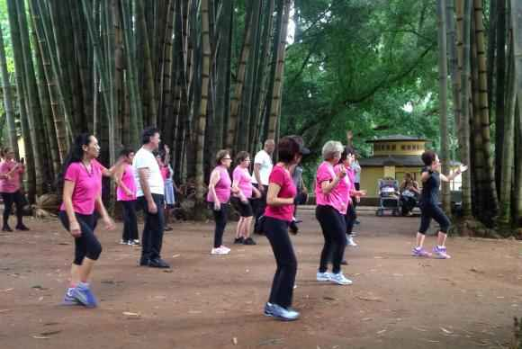No Parque da Água Branca, na zona oeste da cidade de São Paulo, a Virada da Maturidade promoveu atividades de dança e ginástica, entre outras. Foto: Divulgação/Virada da Maturidade