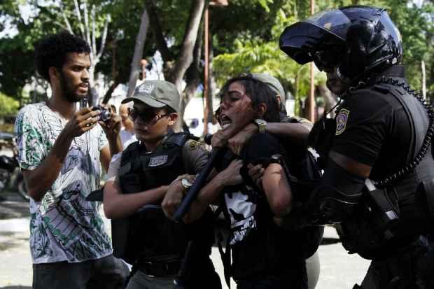 Movimento estudantil sofreu forte repressão policial durante a luta pelo Passe Livre, em 2013. Fotos: Blenda Souto Maior/DP/D.A Press