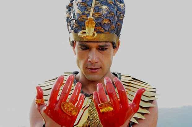 Ator Sergio Marone como Ramsés em cena da novela Os dez mandamentos (Munir Chatack/Record/Divulgação)