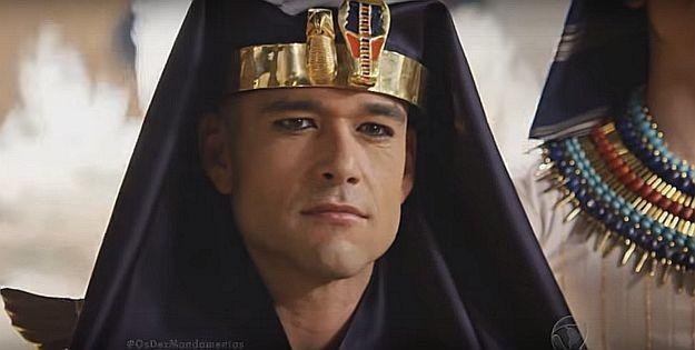 Faraó Ramsés (Sérgio Marone) se recusa a liberar os hebreus do Egito. Foto: Record/Divulgação