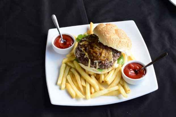 Hambúrguer do festival tem 220 gramas de blend de carnes nobres