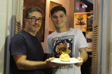 Casa é comandada pelo chef Pedro Godoy (à dir.) e seu pai Sávio.  Foto: Nando Chiappetta/DP/D.A Press