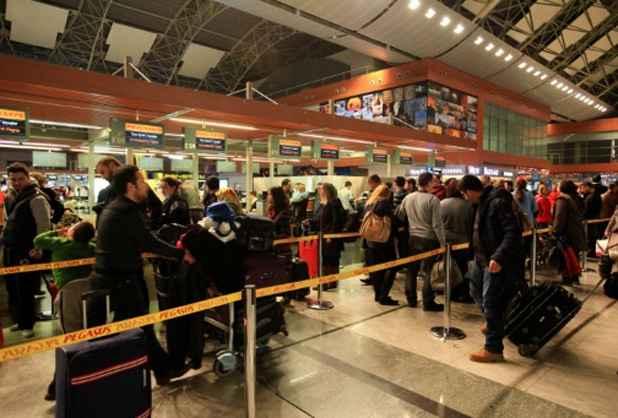 (Arquivo) Saguão do aeroporto de Istambul, no dia 7 de fevereiro de 2014. Foto: Arquivos Mira/AFP Photo