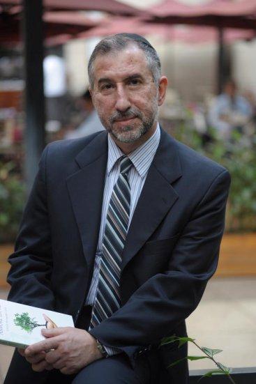 Saltoun é um Mestre de Kabbalah, escritor, pesquisador, palestrante, comentarista e estudioso. Foto: Divulgação