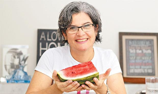 Psicopedagoga Lídia Santos mudou os hábitos alimentares. Foto: Ricardo Silva/ DP/ DA Press