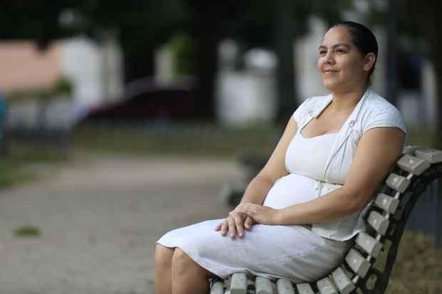 Danielly Gomes da Silva tem o sonho de conhecer a mãe biológica (Rafael Martins/Esp.DP/D.A.Press)