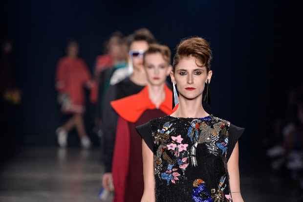 Nas passarelas do SPFW, a moda nacional encontra referências para as próximas temporadas. Foto: Ag. Fotosite/Divulgação oficial do SPFW