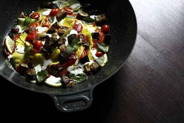 Gastrônomia árabe é conhecida pela mistura de sabores de influência asiática e mediterrânea. Foto: Paulo Paiva/DP/D. A Press. Gastro.