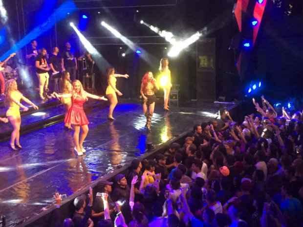 Público de mais de 10 mil bregueiros prestigiou as meninas