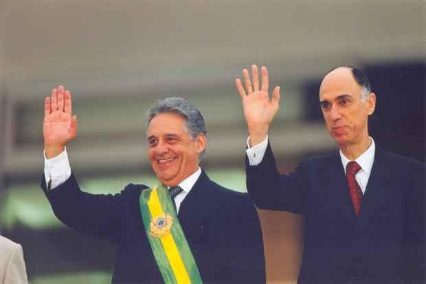 FHC sai em defesa do seu ex-vice-presidente, o ex-governador de Pernambuco Marco Maciel.