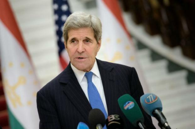 Kerry está prestes a terminar um giro por cinco países da Ásia Central e prometeu reforço na segurança.  Foto: POOL/AFP BRENDAN SMIALOWSKI