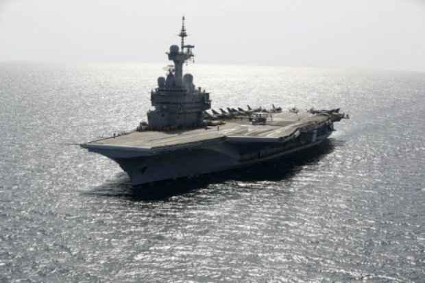 O porta-aviões Charles de Gaulle, no Golfo Pérsico. (Foto: Patrick Baz/AFP Photo)