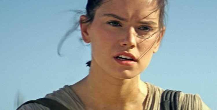 Daisy Ridley como a protagonista Rey. Foto: Divulgação