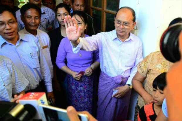 O presidente de Mianmar, Thein Sein, durante a votação, em Naypyidaw, reconheceu vitória nas urnas da opositora Aung San Suu Kyi. Foto: AFP Str