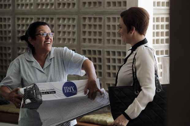 Longa é protagonizado por Regina Casé (esquerda), que interpreta a doméstica Val. Foto: Divulgação