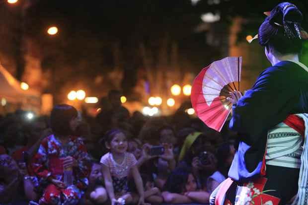 A cultura japonesa levou centenas de pessoas às apresentações ao ar livre. Foto: Rafael Martins/DP/D.A Press