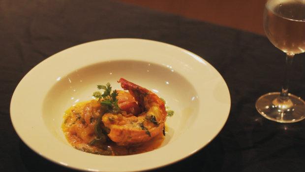 A peixada foi um dos pratos ensinados pela mãe de Claudemir ao filho, que guarda com carinho a receita até os dias de hoje. Foto: Bernardo Mendes/DP