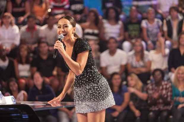 Sabrina Sato apresentará o especial do Amigo Secreto ao lado de Gugu - Foto: Record/Divulgação (Foto: Record/Divulgação)