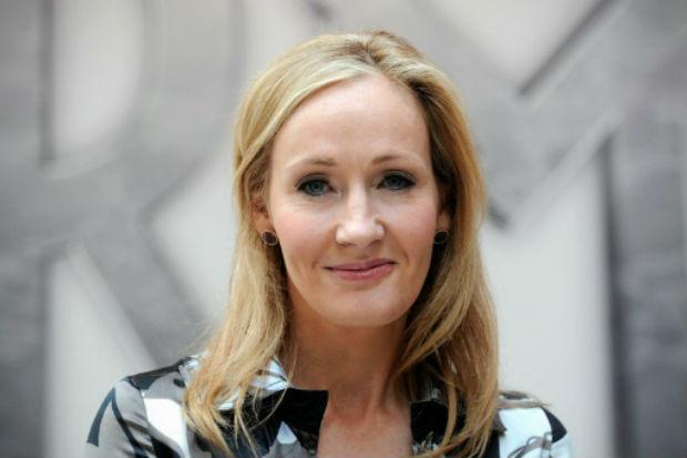J. K. Rowling criticou postura de Trumpo e o comparou a um de seus personagens. Foto: AFP/Arquivos CARL COURT